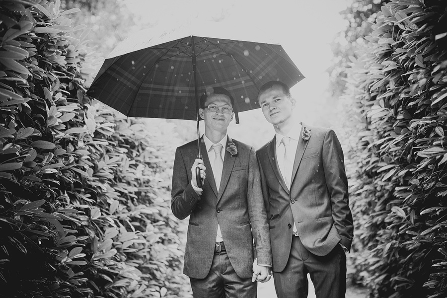 wedding-portrait-umbrella
