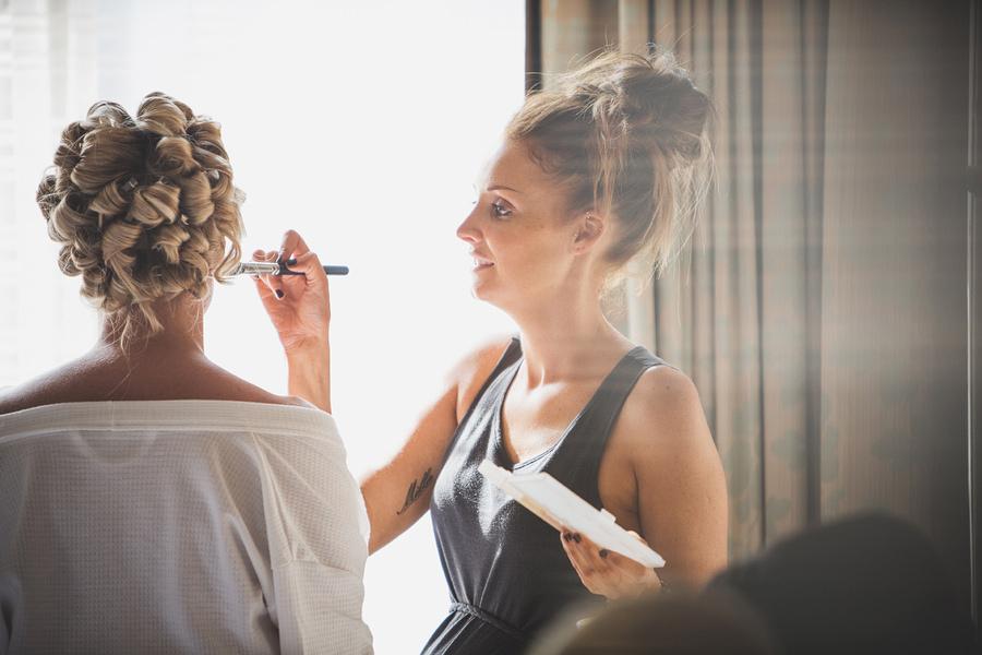 make-up-artist-brush