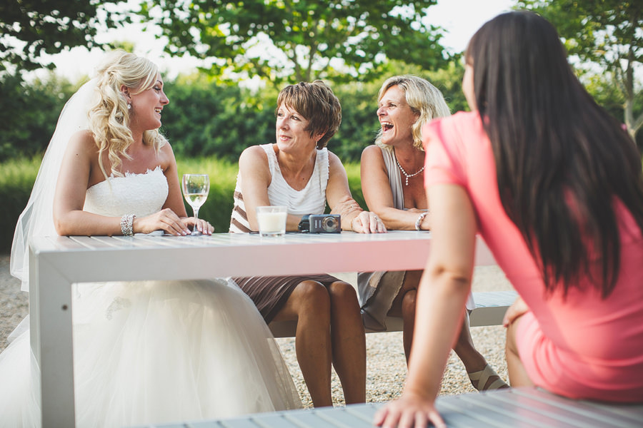 brides-family-chatting