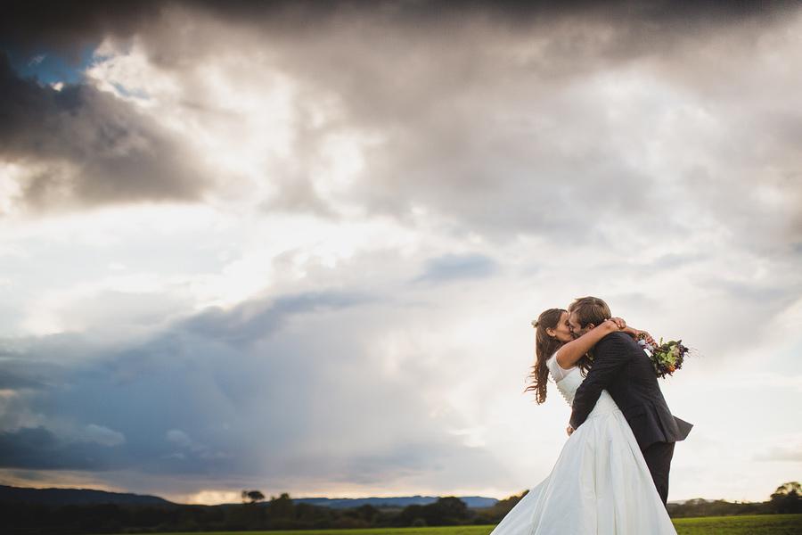 grittenham-barn-wedding-065