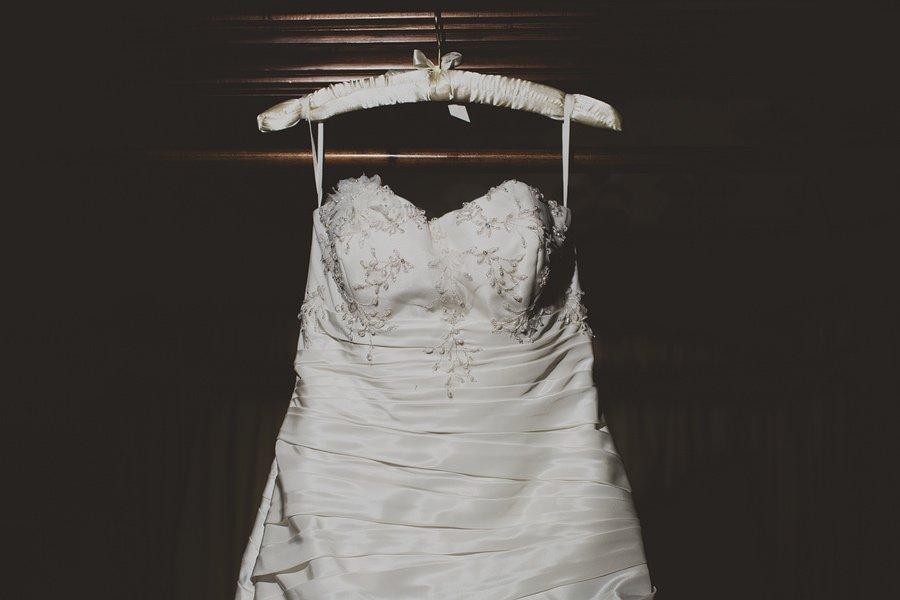 Eastwell-Manor-Wedding-Photographer-027