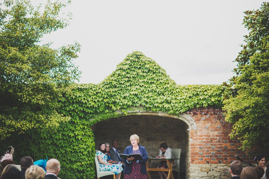 Notley-Abbey-Wedding-Photographer-Ari-and-Matt-30