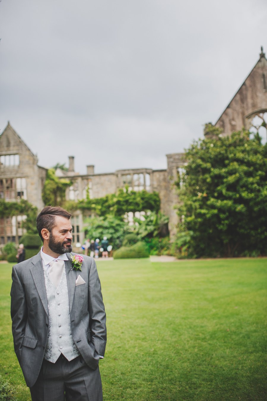 Nymans-Garden-Wedding-Kim-and-Lee-23