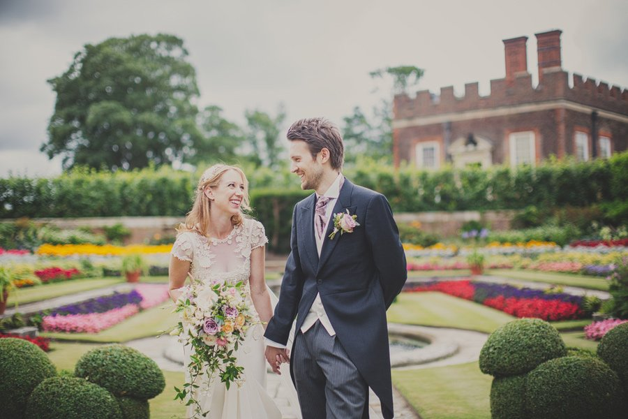 Hampton court palaces weddings photographer