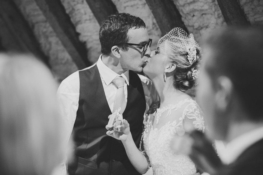 Fitzleroi-Barn-Wedding-Photographer-Jessica-and-Hugh-Simon-Fazackarley-113