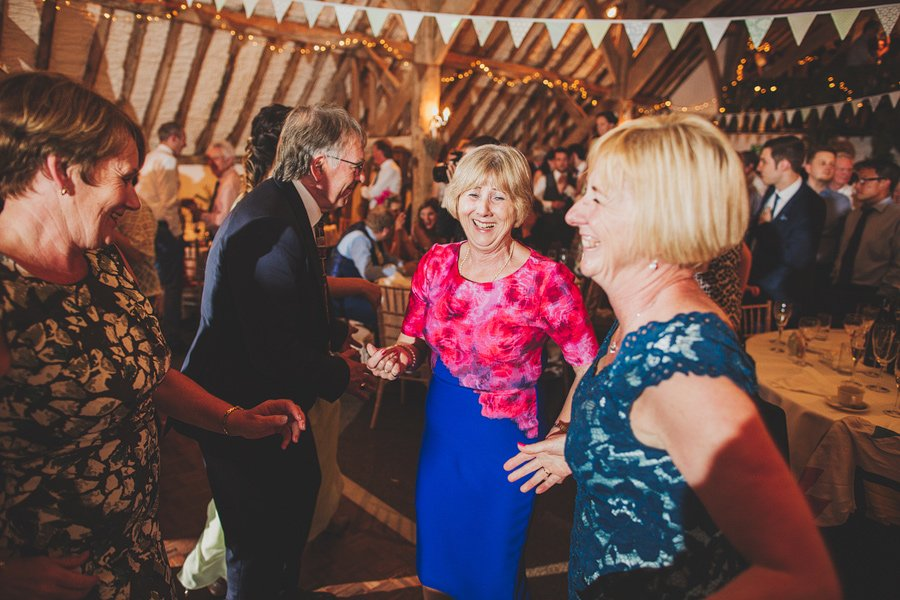 Fitzleroi-Barn-Wedding-Photographer-Jessica-and-Hugh-Simon-Fazackarley-117