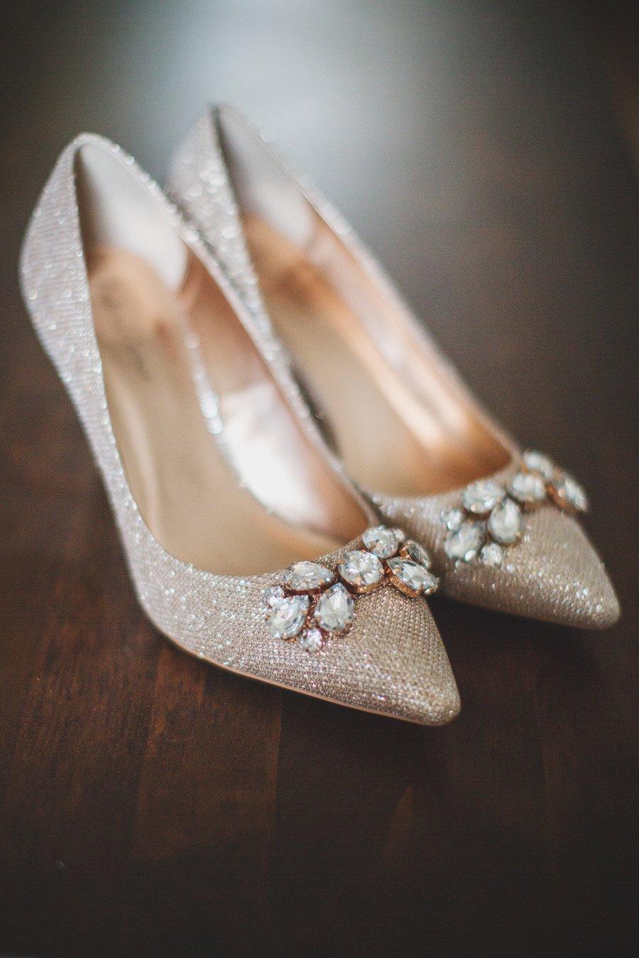 Fitzleroi-Barn-Wedding-Photographer-Jessica-and-Hugh-Simon-Fazackarley-13