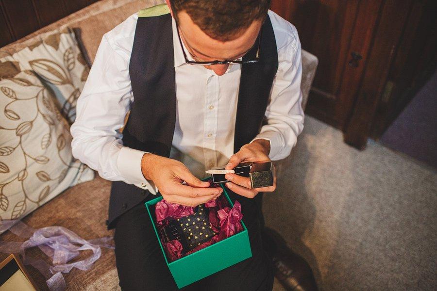 Fitzleroi-Barn-Wedding-Photographer-Jessica-and-Hugh-Simon-Fazackarley-17