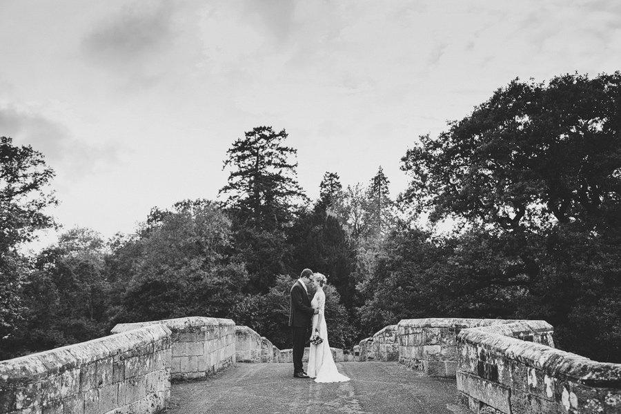 Fitzleroi-Barn-Wedding-Photographer-Jessica-and-Hugh-Simon-Fazackarley-78