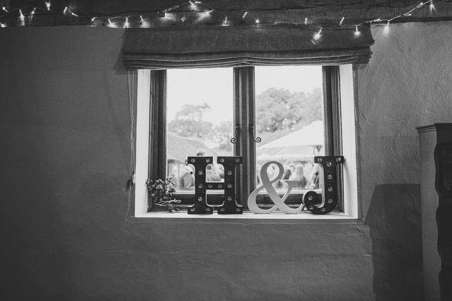 Fitzleroi-Barn-Wedding-Photographer-Jessica-and-Hugh-Simon-Fazackarley-91