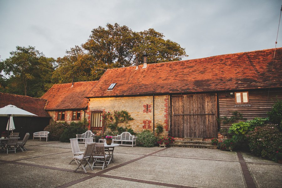 Fitzleroi-Barn-Wedding-Photographer-Jessica-and-Hugh-Simon-Fazackarley-98