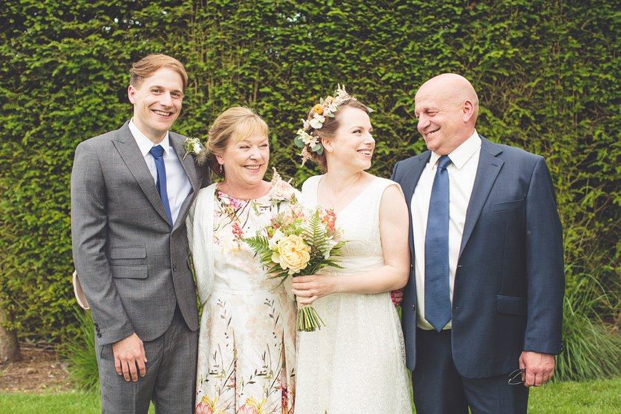 sussex-wedding-photographer-group-photos-022