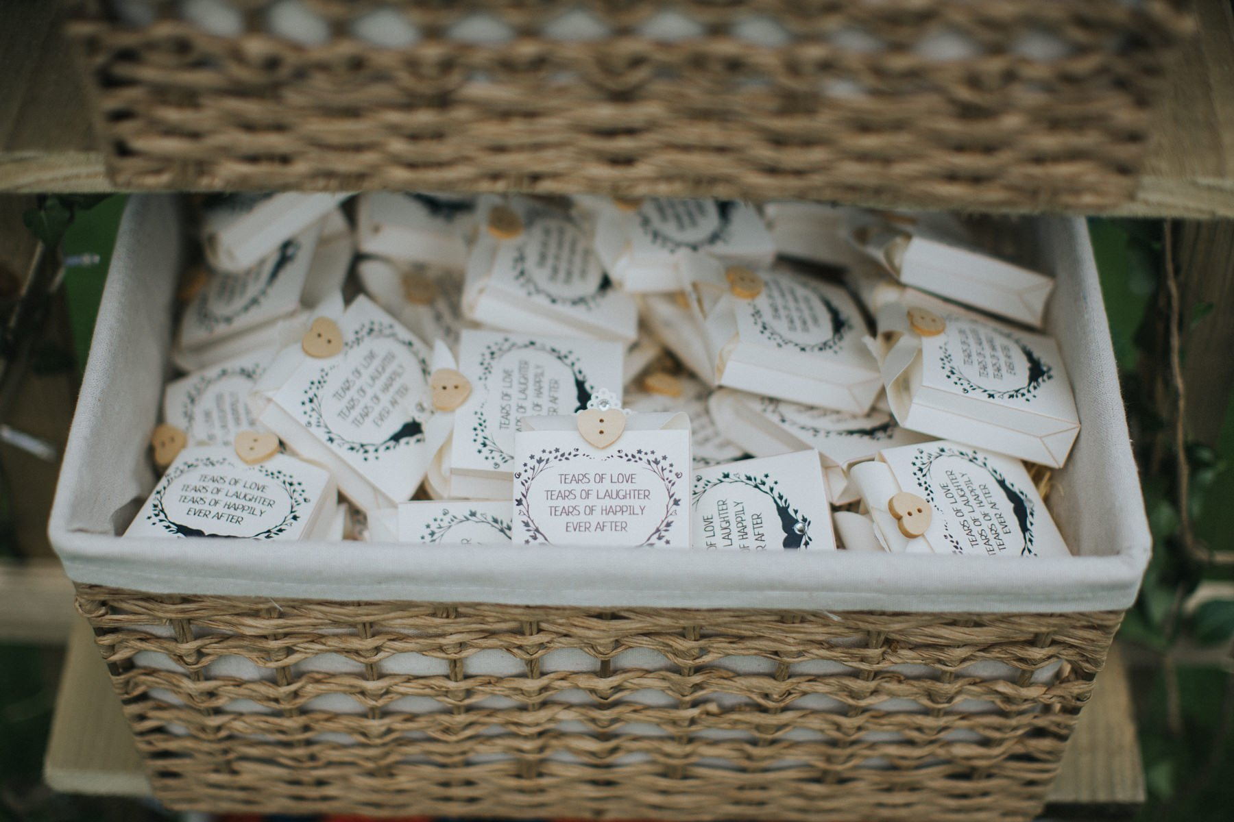 rumbolds-barn-wedding-photography-fazackarley-jess-chris-034