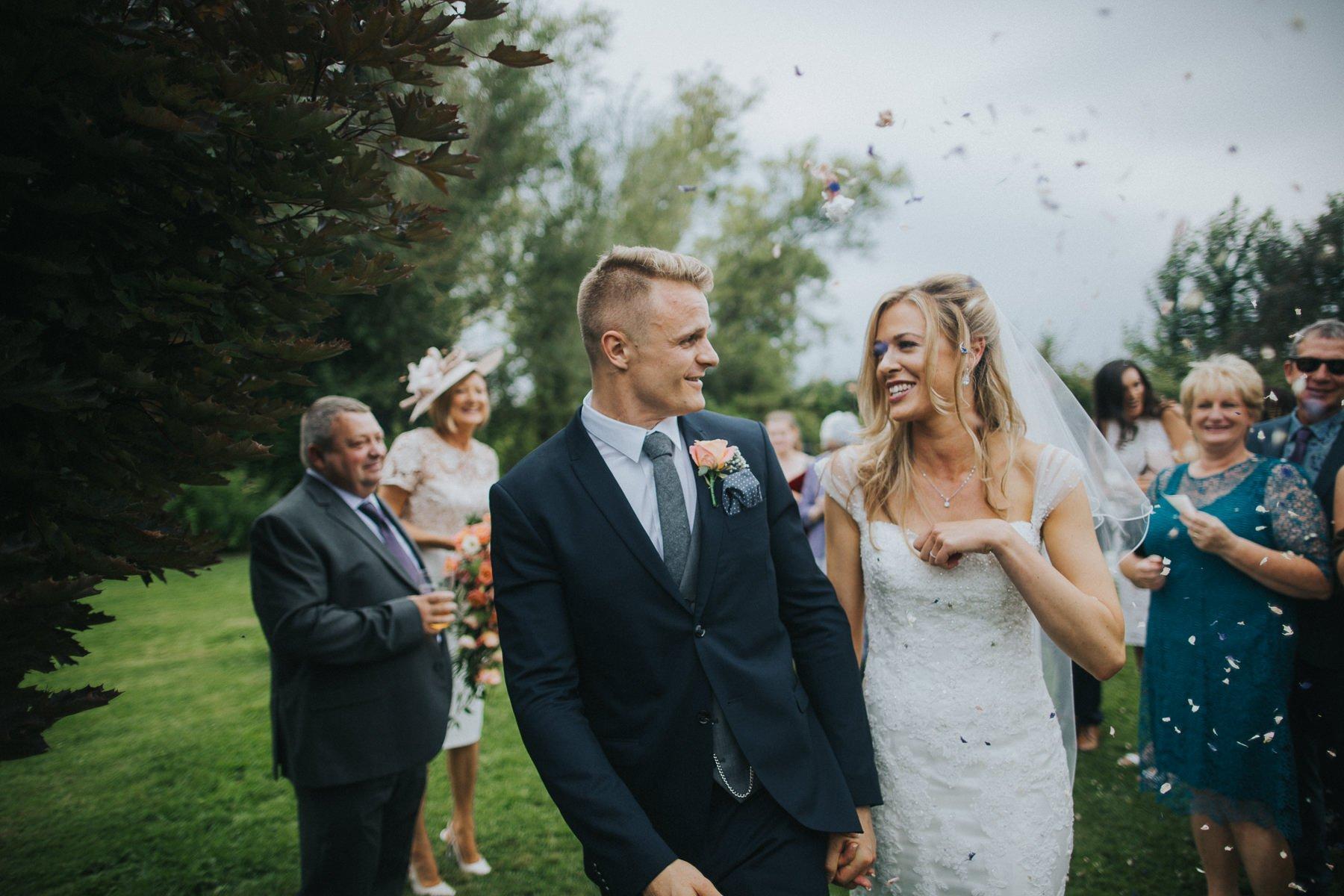 rumbolds-barn-wedding-photography-fazackarley-jess-chris-069