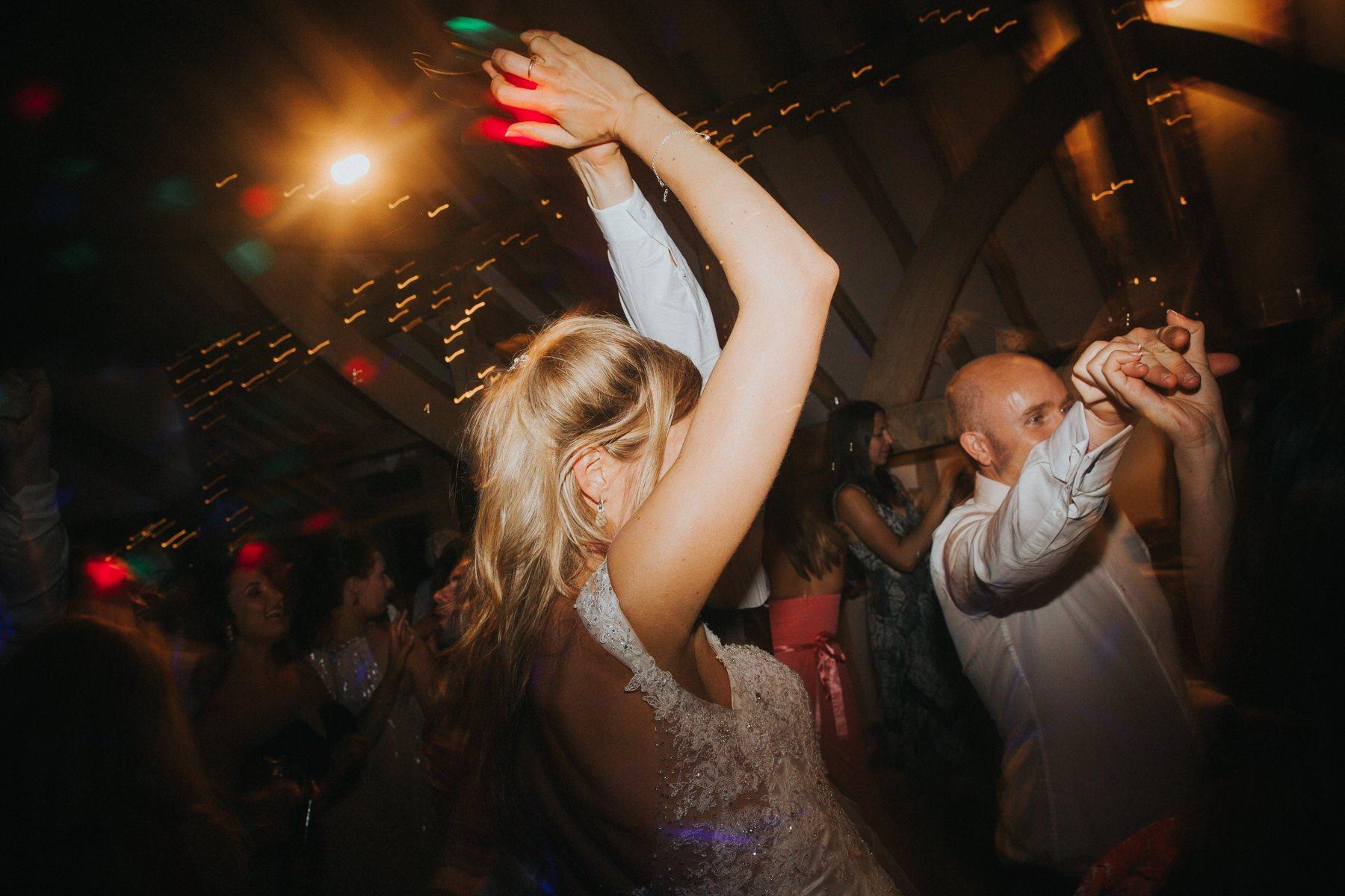 rumbolds-barn-wedding-photography-fazackarley-jess-chris-147