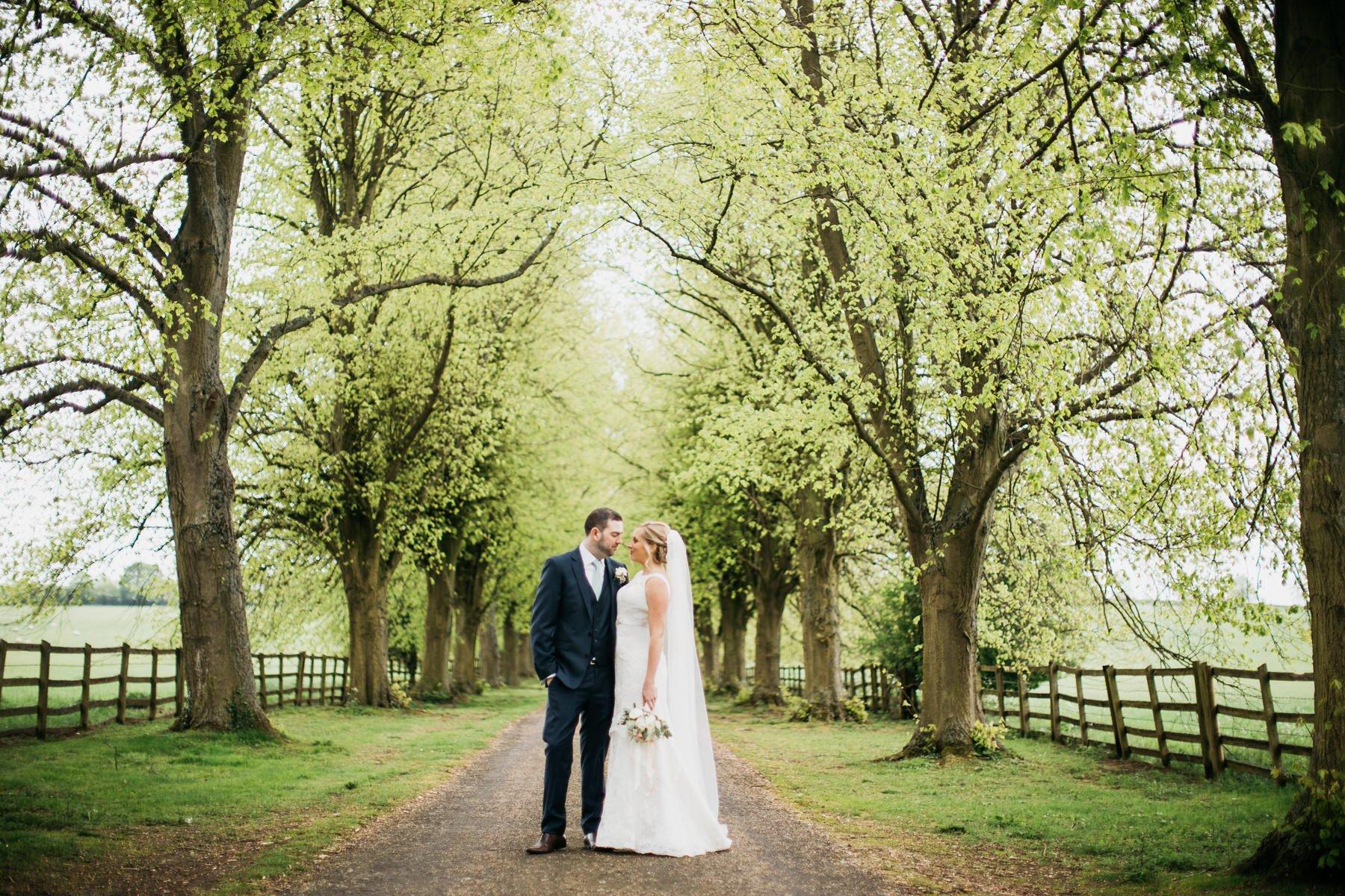 Notley-Abbey-Wedding-Photographer-Lisa-Dan-050