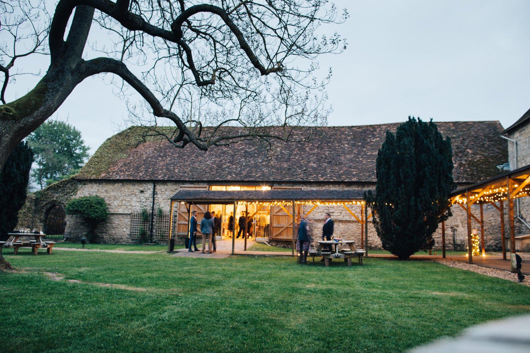 Notley-Abbey-Wedding-Photographer-Lisa-Dan-082