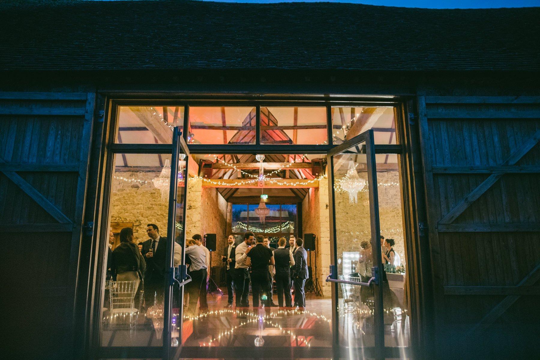 Notley-Abbey-Wedding-Photographer-Lisa-Dan-084