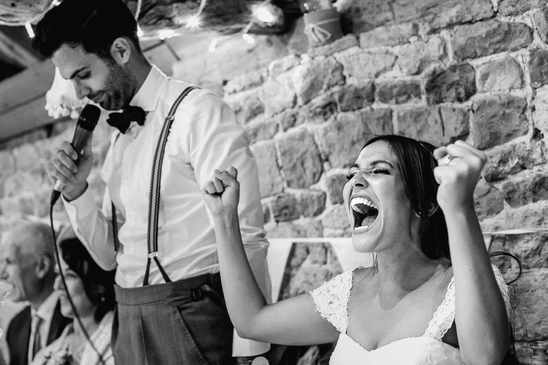 how to capture beautiful wedding moments