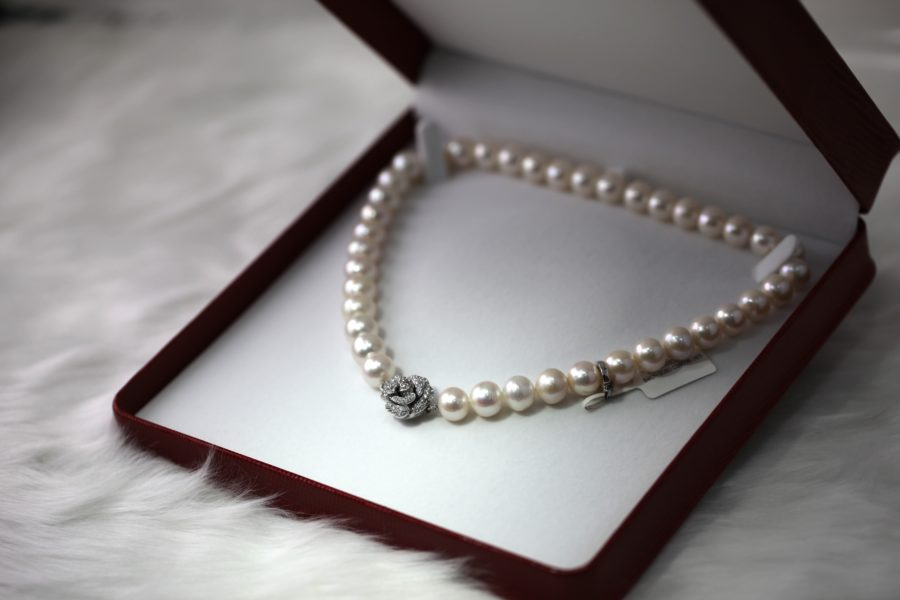 Pearl wedding anniversary gift ideas
